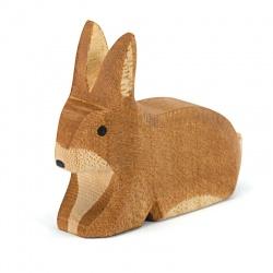 Ostheimer Hase braun gefleckt sitzend